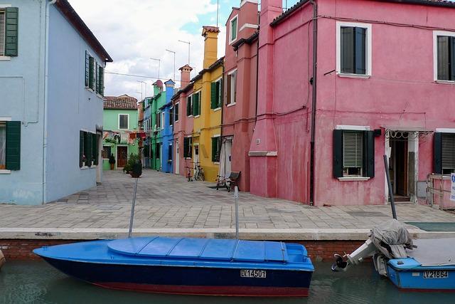 barevné domky.jpg