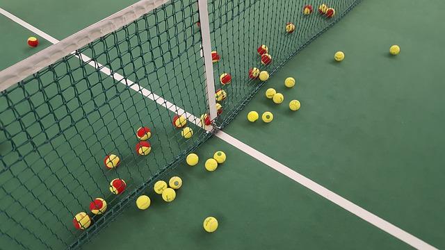 míčky u sítě